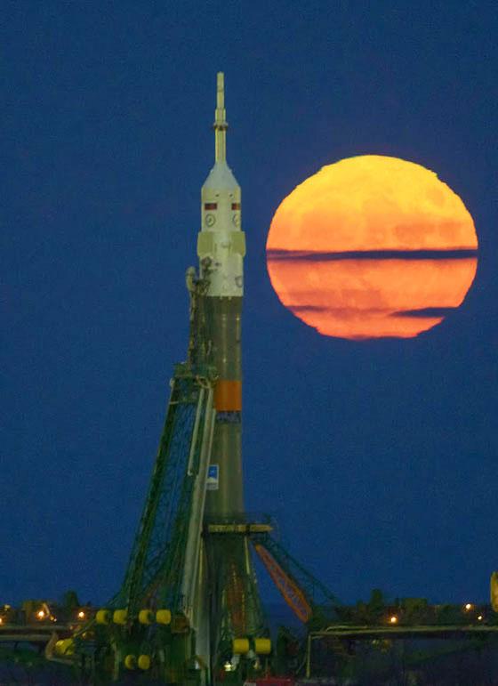 Super Moon and Soyuz